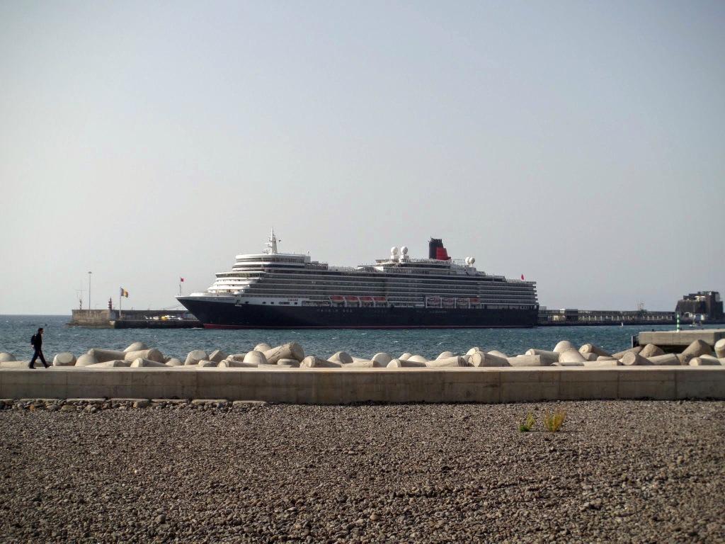 Cunard Queen Elizabeth liner, Funchal