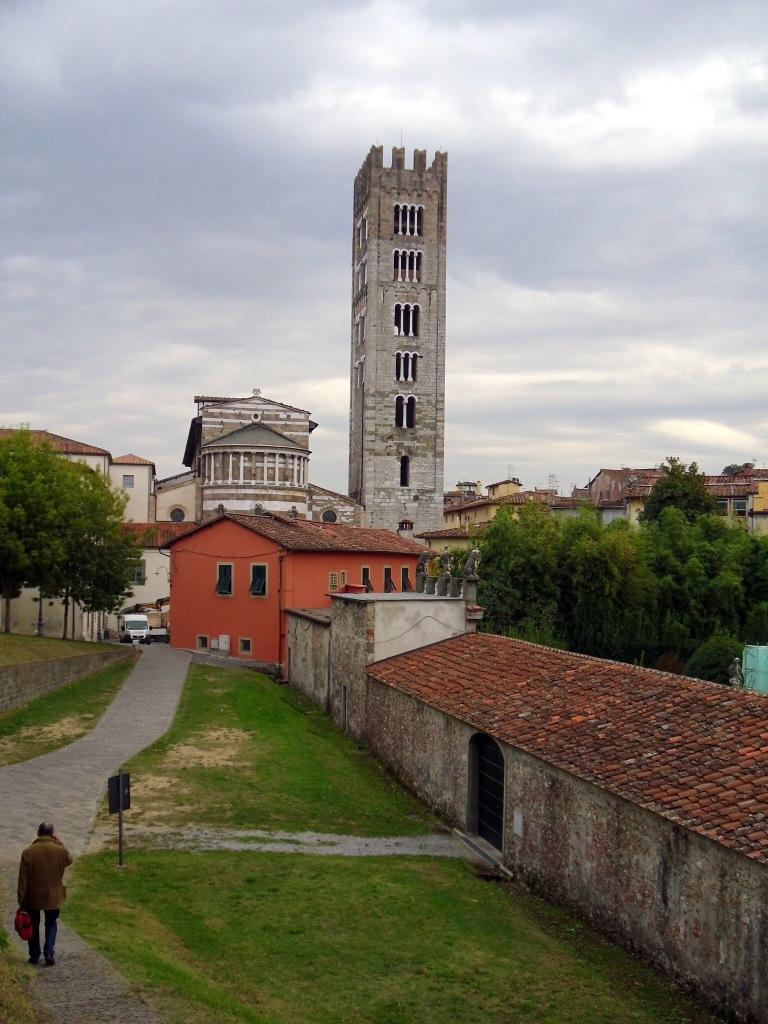 Roman walls, Lucca