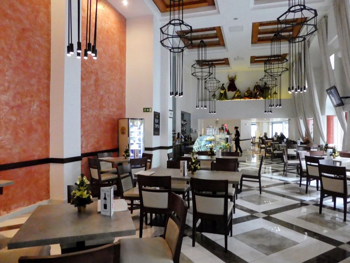 Cafe Mazoc, DB San Antonio Hotel, Malta