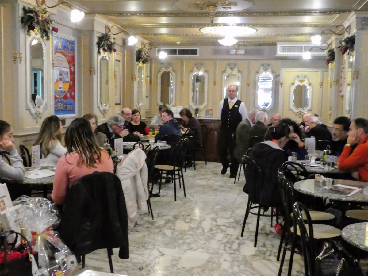 Cafe Cordina, Valletta