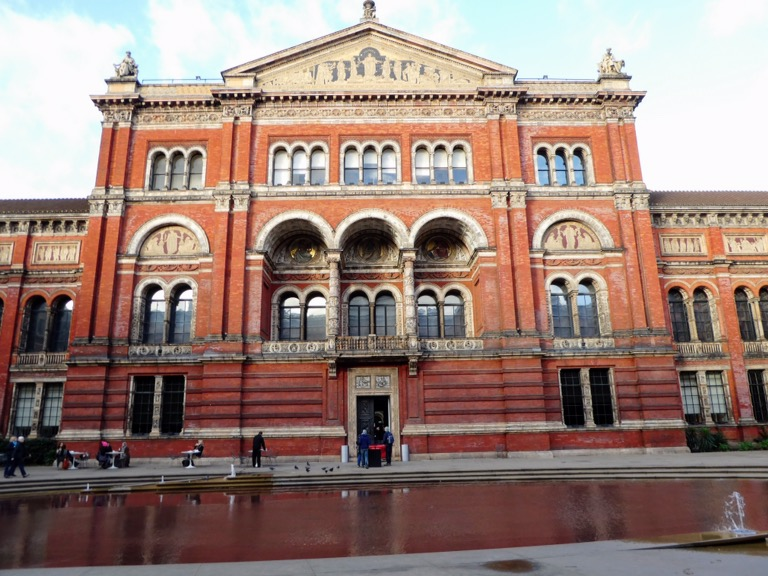 Victoria & Albert Museum (V&A), London