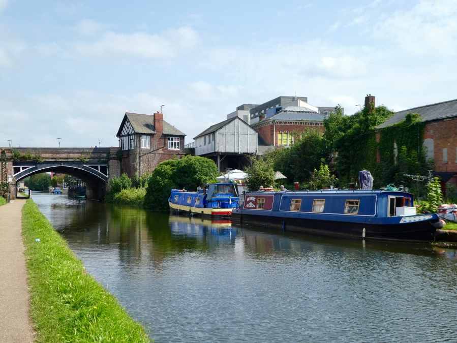 Bridgewater canal, Sale