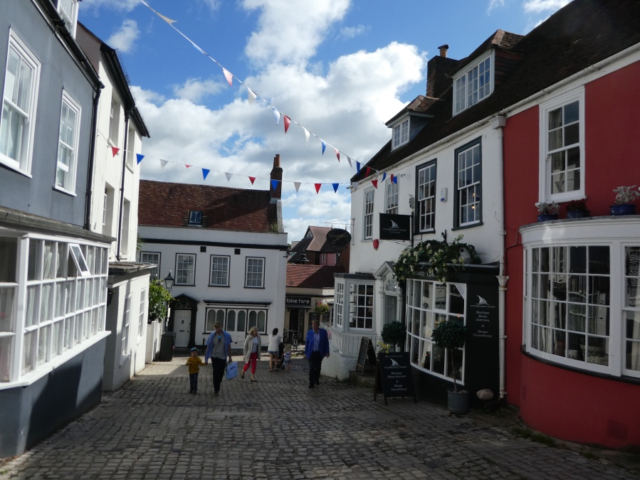 Lymington town centre