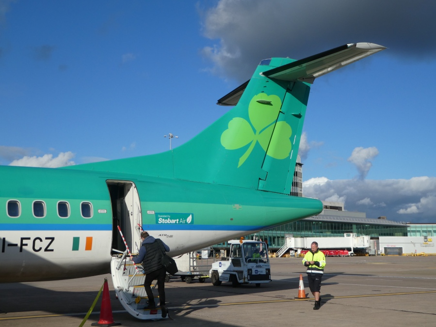 Aer Lingus ATR 72 at Manchester Airport